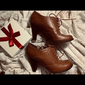 Women Jorge Oxford |American Eagle shoes